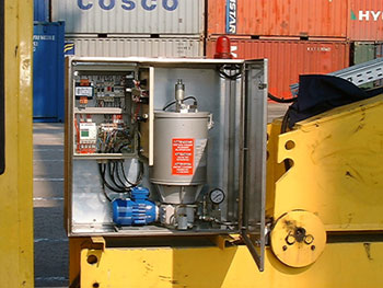 Lubrication grease system for a harbour crane